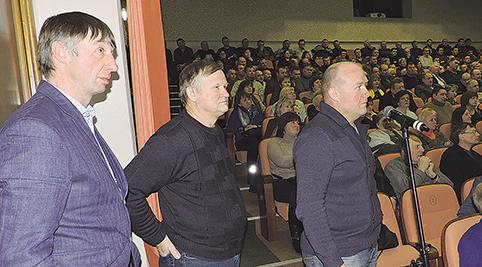Diskusijose Ekologinių ūkių asociacijos vadovas S. Daniulis (pirmas iš dešinės)