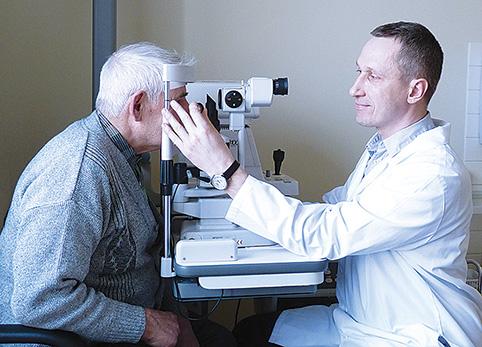 Gydytojas S. Ačas teigia, kad pajutus pirmuosius ligos simptomus būtina pasirūpinti savo akimis, nes negydoma katarakta gali baigtis aklumu