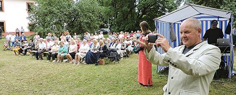Vienas renginio rėmėjų ūkininkas Vladislavas Kravčun nuotraukomis įamžino lauktą šventę