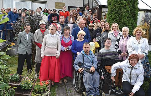 Praėjusį trečiadienį Trakų neįgaliųjų užimtumo centras atšventė 15 metų gimtadienį