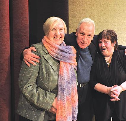 Puiki teatro veteranų Birutės Pašiūnienės, Vytauto Mikalausko ir Romos Armonienės nuotaika